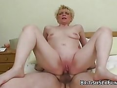 Matur housewife dilettanti shaved pussy pounded